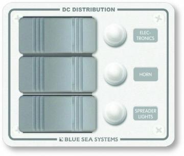 Su geçirmez sigorta paneli. 94x114 mm. Flybridge ve açık kokpitler için dizayn edilmiştir.